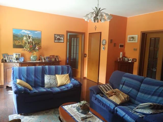 Ampia stanza matrimoniale a Fornovo - Fornovo di Taro - Apartmen