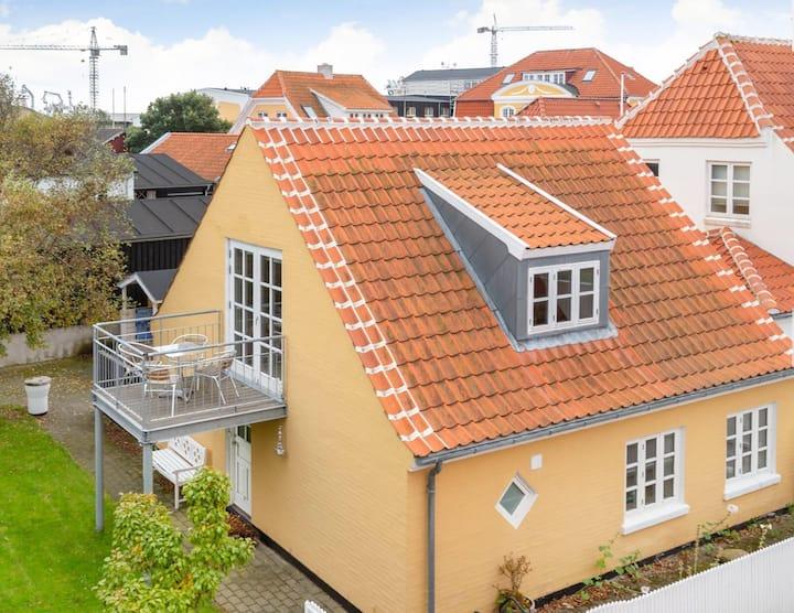 Fiskerhus i hjertet af Skagen - Udsigt til havnen!
