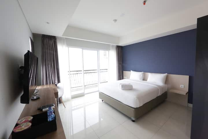 Modern Big Studio at Green Kosambi Apt near Braga
