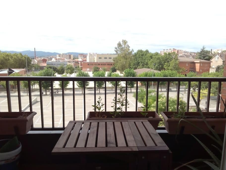 Quiet room in great area uab fgc flats for rent in for Don piso sabadell