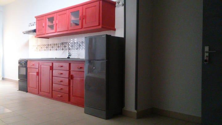 studio avec kitchenette et sanitaire privatif