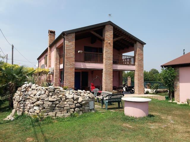 La casa rosa di Claudia