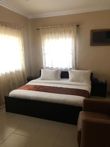 Posh Apartments Opebi- Luxury Room