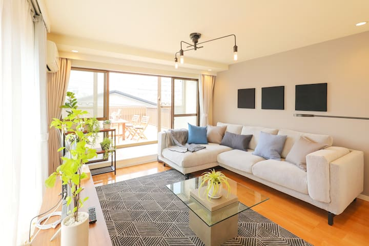 Luxury 3BR with Roof-Top Balcony in Roppongi