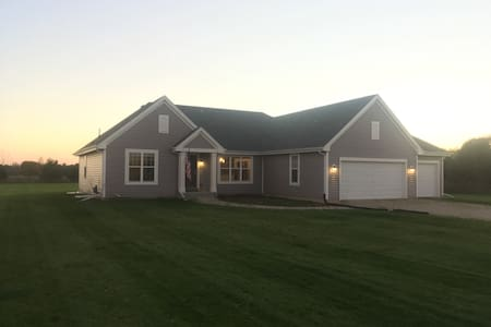 Beautiful New Home - Hartland