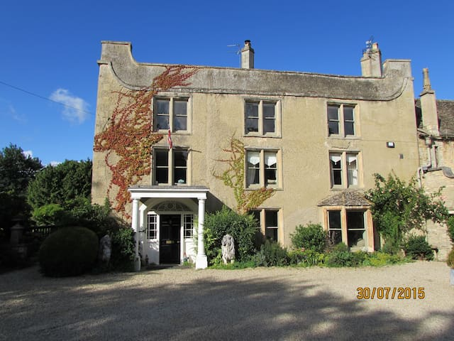 Listed Cotswold Manor 1 double rm.