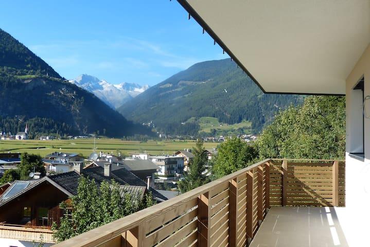 Wohnen mit Aussicht - Ferienwohnungen Achmüller - Caminata di Tures - Apartment
