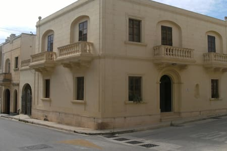 GOZO TOWN HOUSE IN XEWKIJA - Xewkija
