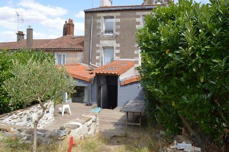 Maison de bourg, en bord de Loire - Drain