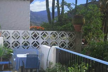 Mogán. Roomy&sunny, Hill&Ocean.WIFI - Bed & Breakfast
