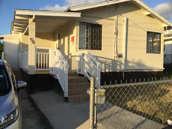 Renovated Lovely 2 Bedroom House in St James
