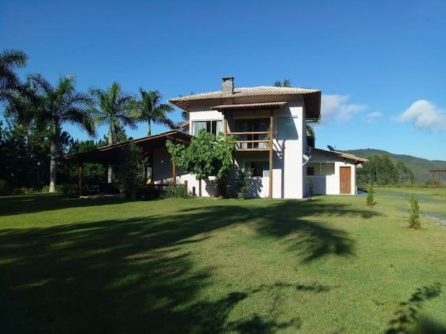 Casa  em Santa Teresa ES para locação  em diárias