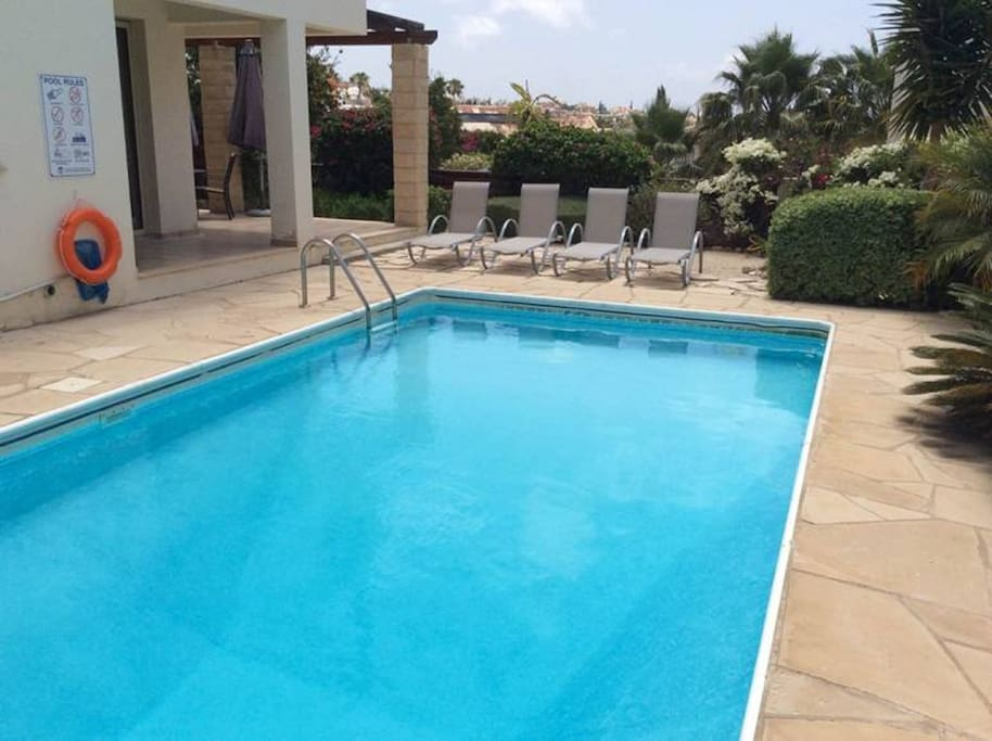 Pool and Sunlounge area