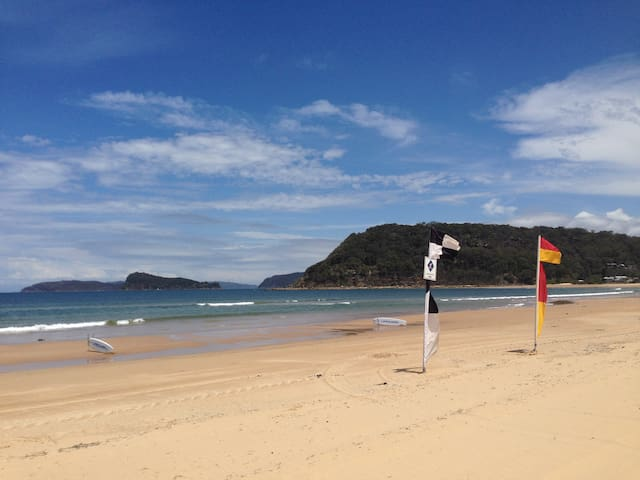 Umina Point - 400m from the beach