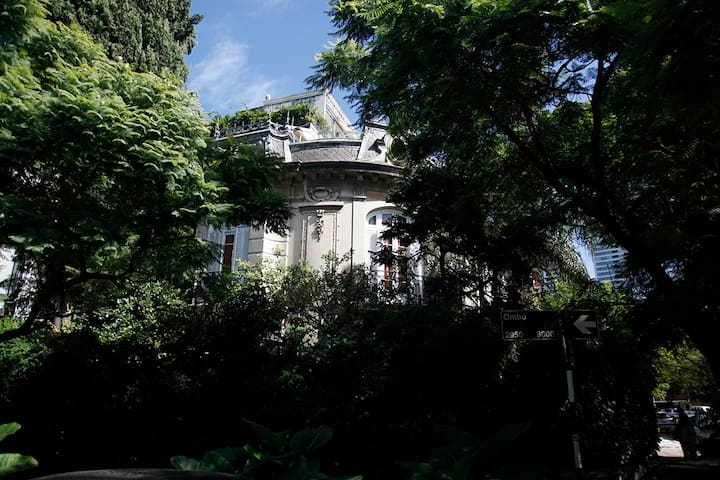 Charming french style mansion in Barrio Parque