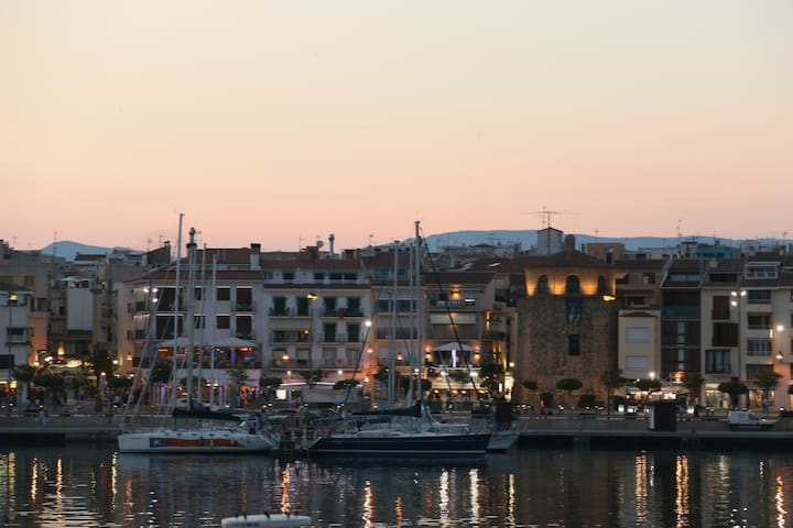 Flat on the beach to rent by weeks - Cambrils - Appartement