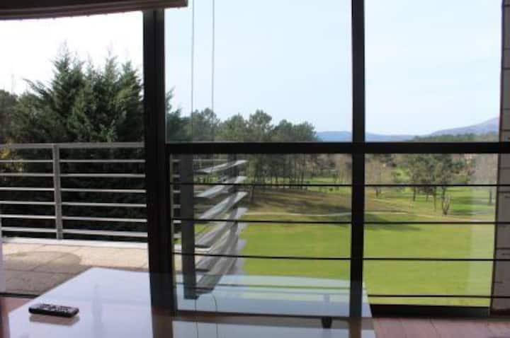 Apartamento ubicado en el Golf de Ponte da Lima.