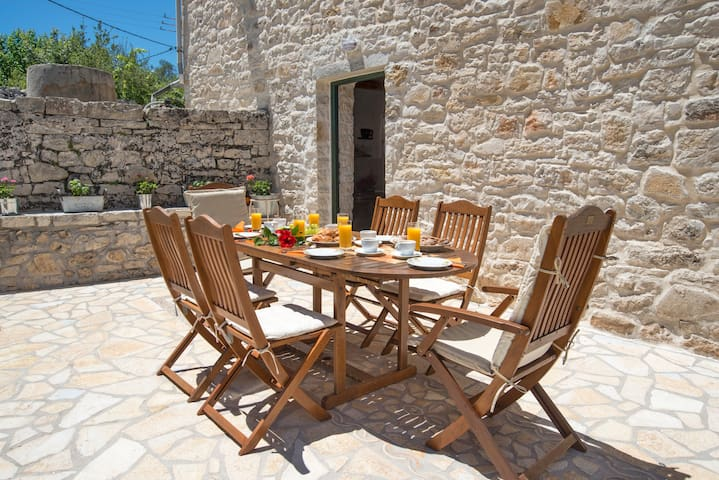 SIORA KORI A TRADITIONAL COTTAGE FOR 4