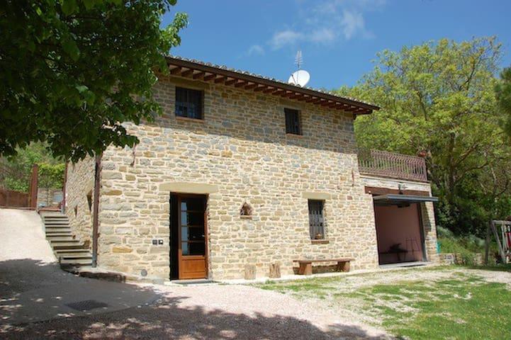Villa con piscina a 9 km da Assisi