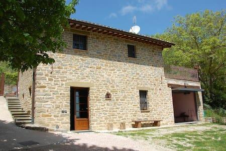 Villa con piscina a 9 km da Assisi - Assise - Villa
