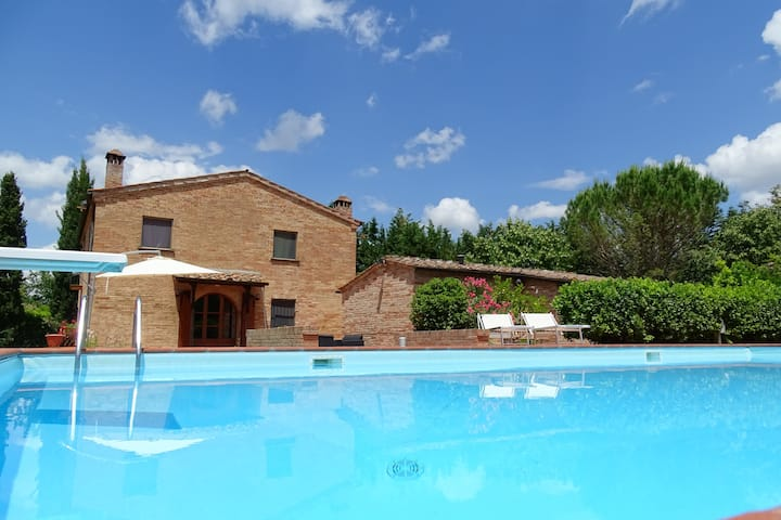 Country House in the Crete Senesi