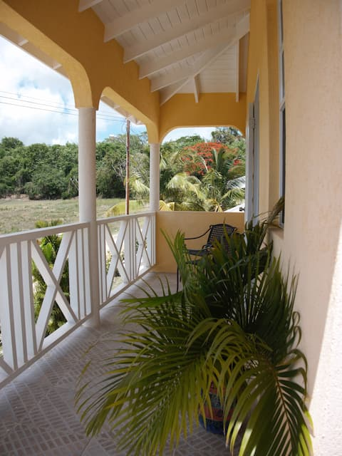 Cosy 1 Bdrm Apt, near great beaches