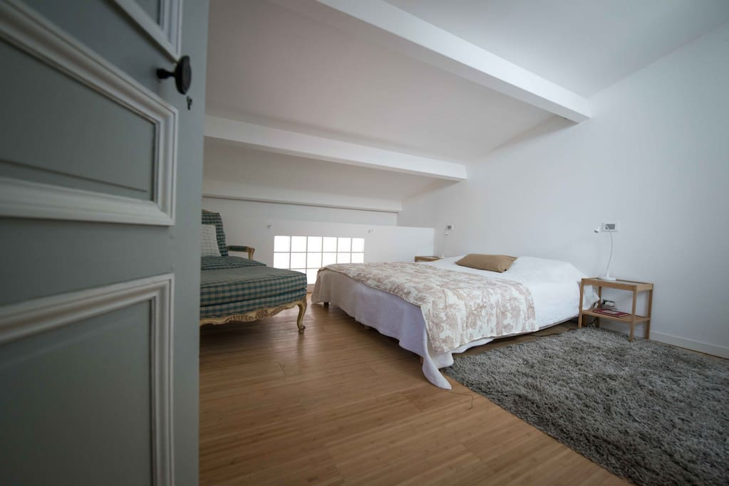 Chambre double avec salle de bain en suite