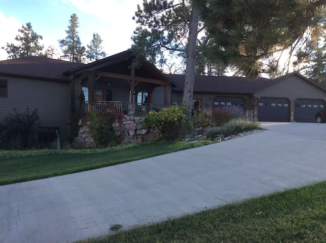 Spearfish Retreat, wooded, private - Spearfish - Casa