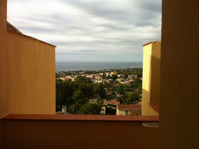 Sea landscape from Kafka Castell - Sant Pere de Ribes - Apartment