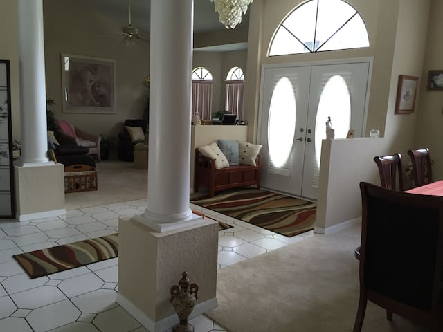 Beautiful estate home with pool - Hernando - Rumah
