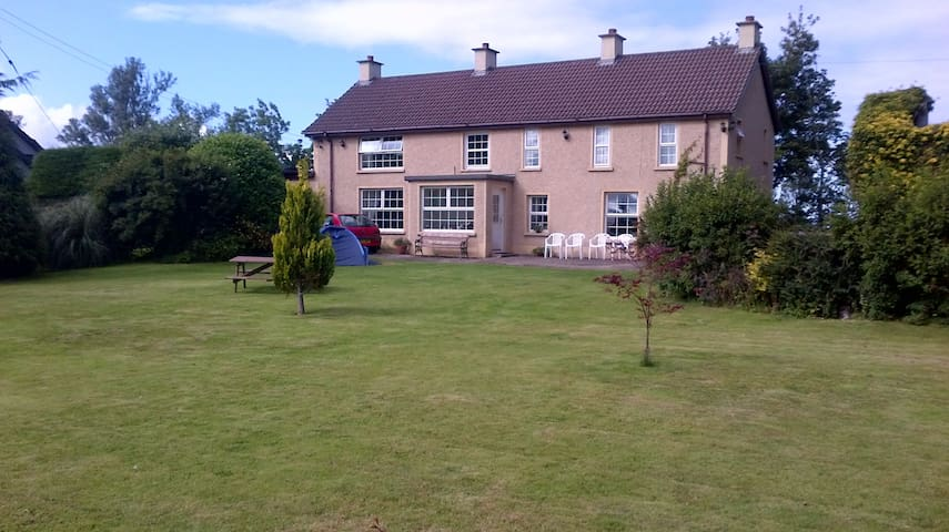 House/Large Garden1mile fromGameOfThrones filming - Limavady - Дом