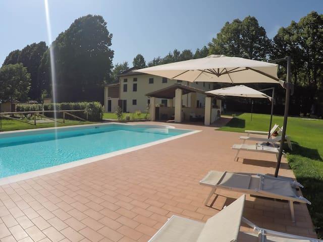 Colline di Lucca, TURCHINA App. in Casale La Fata