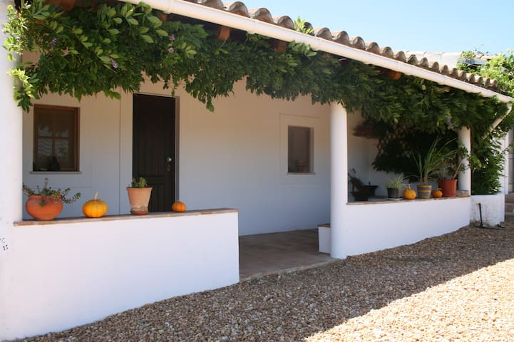 Holiday COTTAGE on the hill at TAVIRA countryside - Curral Boeiros - Rumah