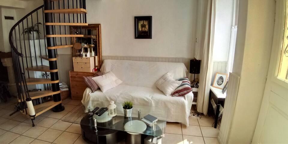 Petite maison chaleureuse à Bessy-Sur-Cure