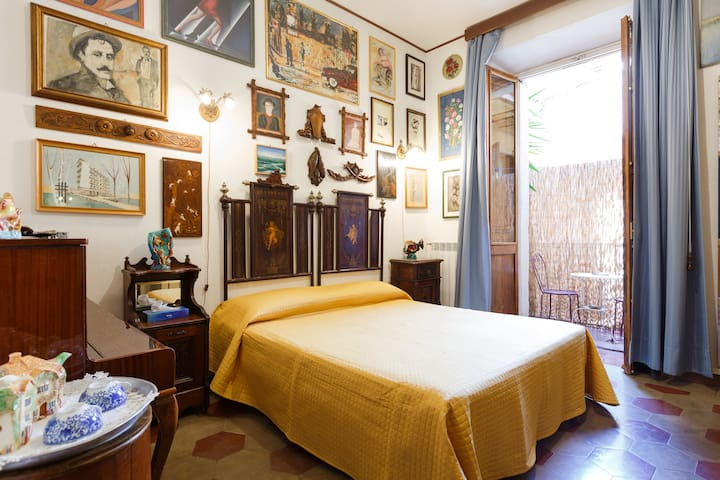 Trastevere Art Room