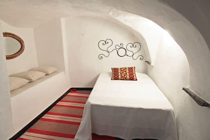 Single bedroom downstairs