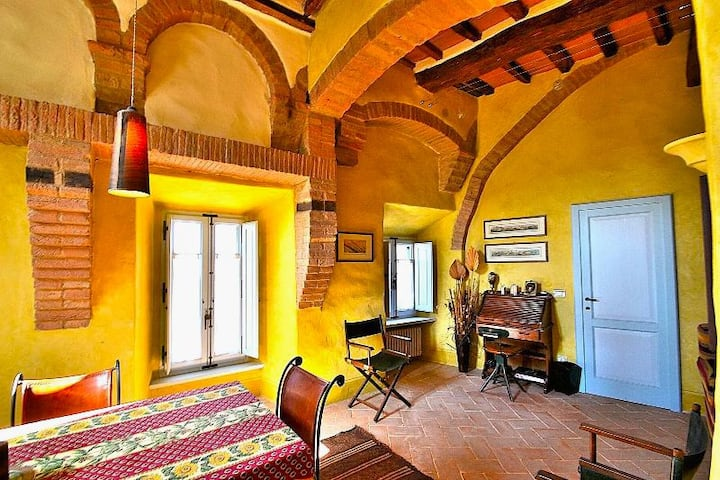 Romantic apartment  in  Buonconvento  Borgo