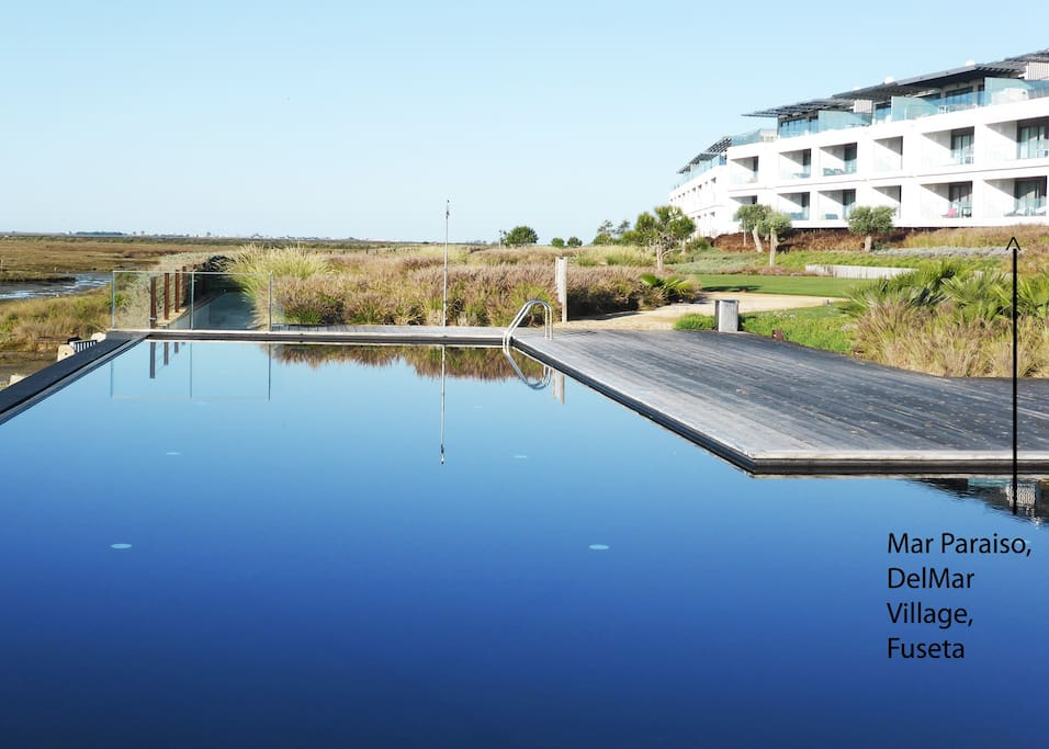 Here's where you can stay in romantic luxury overlooking the Ria Formosa National Park with its salt marshes and tidal basin!  An ever changing fascination.  The eastern Algarve at its best!