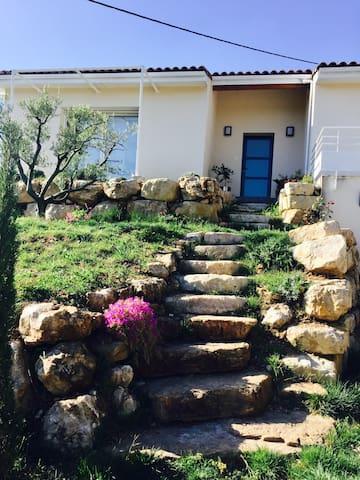 Villa spacieuse avec vue panoramique - Lodève - Huis