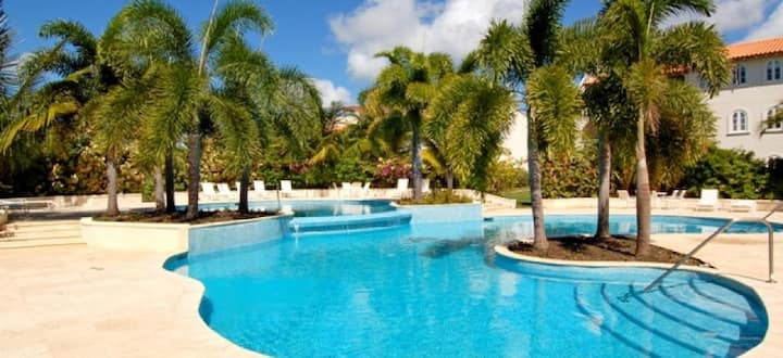 2 Bed in Gated Resort with Pool!