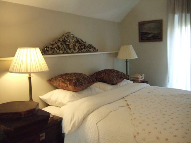 Lovely, peaceful double room - Minchinhampton - Bed & Breakfast