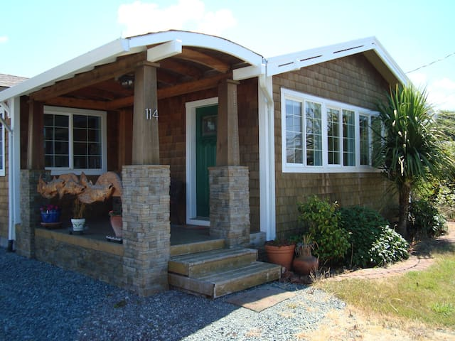 Custom Oregon Coast Cottage - Rockaway Beach - Huis