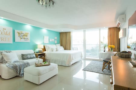 10th Floor Studio ON Beach w/Pool & Parking @ Máre