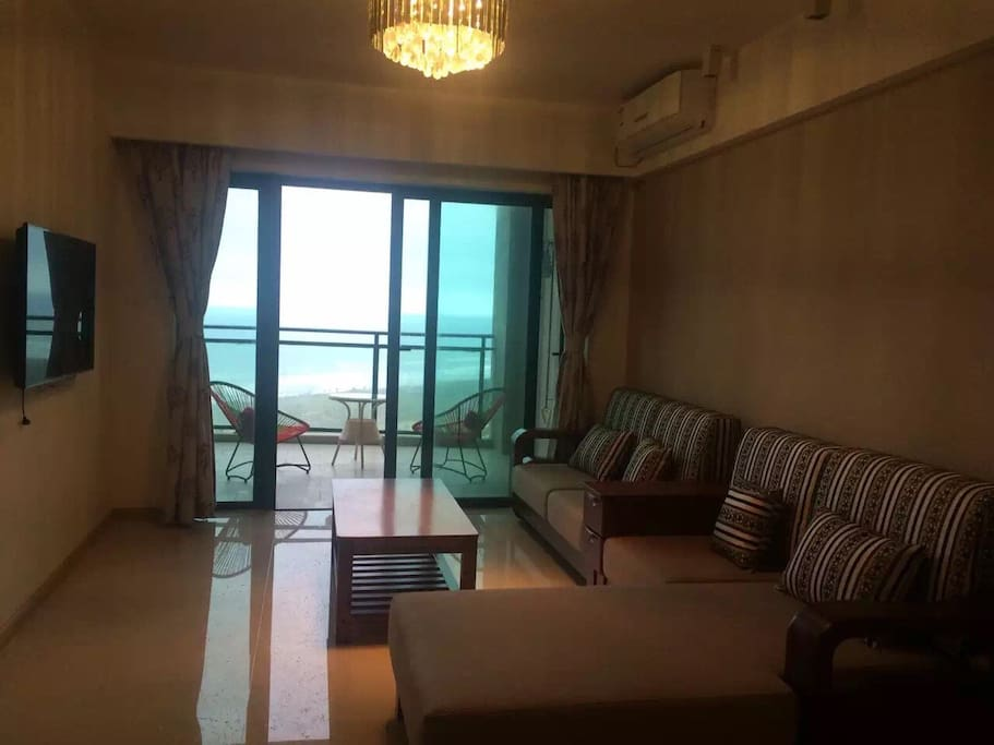 客厅里直接看海