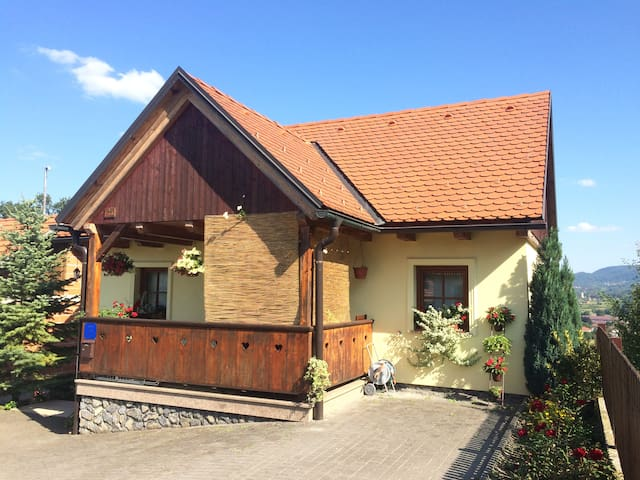 "Vacation Home ""Barbara"" - Donja Stubica - Hus"