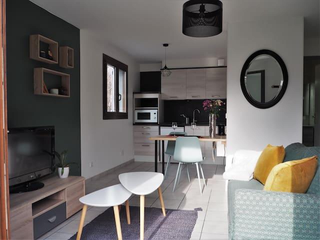Appartement cosy et lumineux en rez de jardin!