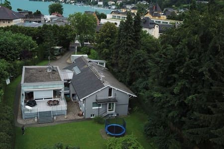 Villa right in the center Velden, private parking