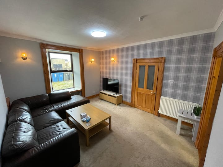 Newly Refurbished 2 Bed Flat on NC500 Route