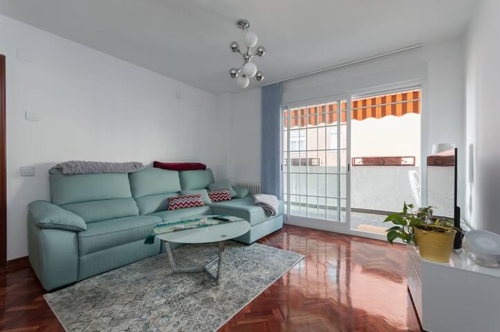 Habitacion doble en piso amplio, muy acogedor - Madrid - Rumah