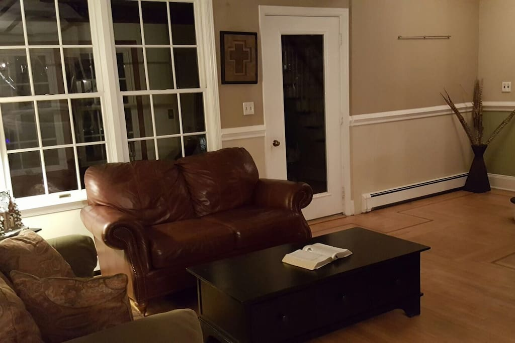 Living Room 1 Entrance
